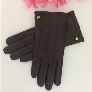 Etienne Aigner Butter Soft Brown Leather Gloves M